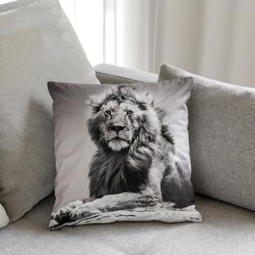 "Quadratisches Kissen ""LION"""